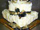 4) Wedding cake  Feeds 50